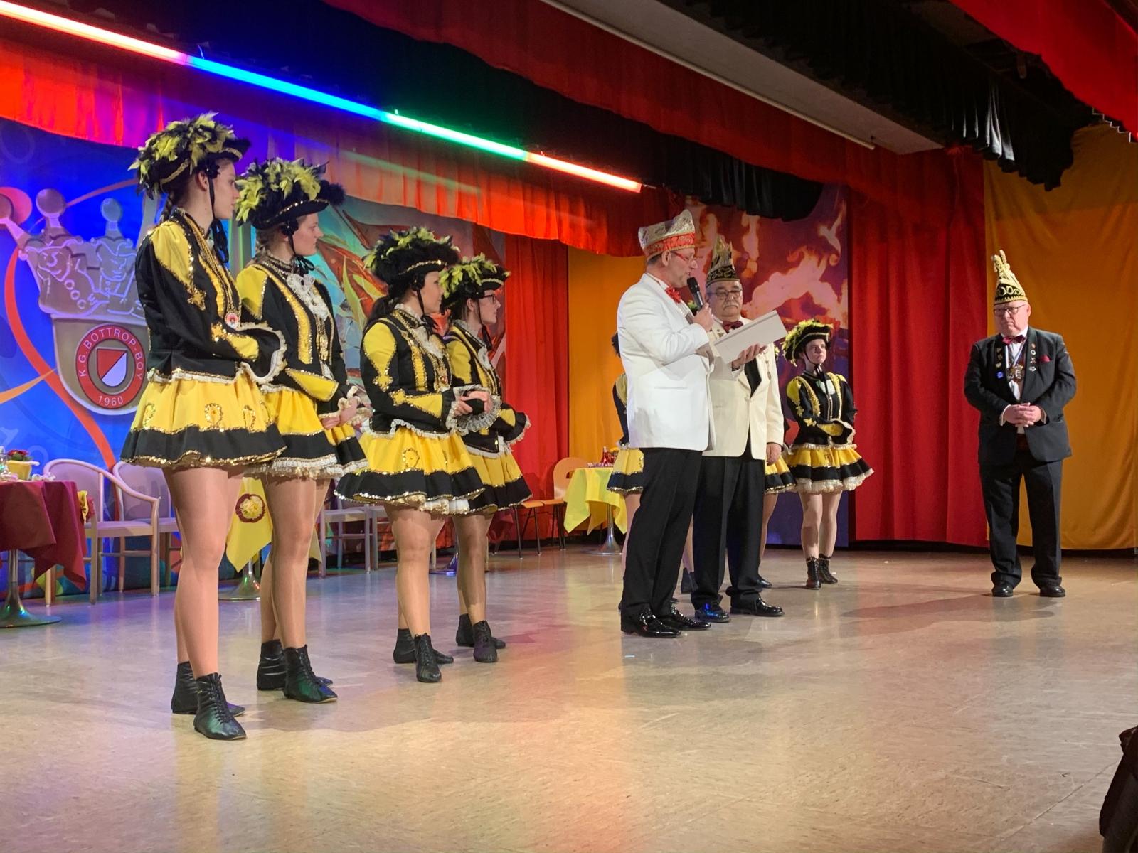 Verleihung des schwarzen Diamanten durch den Bund Ruhr Karneval